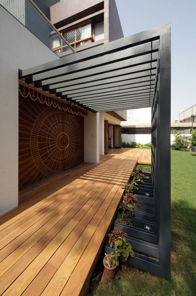 The Cube House, Reasoning Instincts Architecture studio, Ahmedabad, India, multigenerational house,